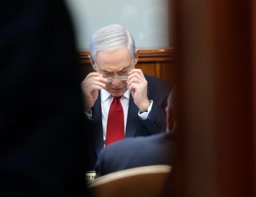 PM Netanyahu at the weekly cabinet meeting, Nov 9. Credit: Alex Kolomoisky/POOL.