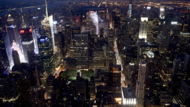 Manhattan at night. Photo by Gili Yaari/FLASH90