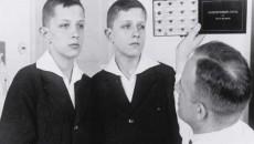 Dr. Otmar von Verschuer examines twins in the 1930s. Credit: Archiv zur Geschichte der Max-Planck-Gesellschaft, Berlin-Dahlem.